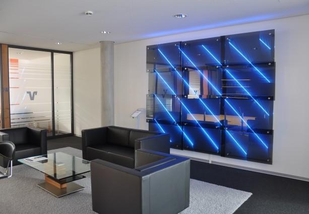ściana-dekoracyjna-w-banku-2