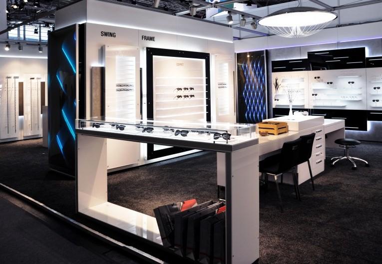 elementy-dekoracyjne-salonu-wystawienniczo-handlowego-1