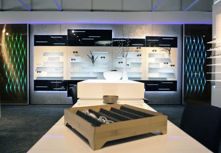 elementy-dekoracyjne-salonu-wystawienniczo-handlowego-3